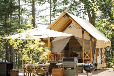遊ぶ、食べる、泊まる……<br>別荘地で「もりぐらし」を体験!